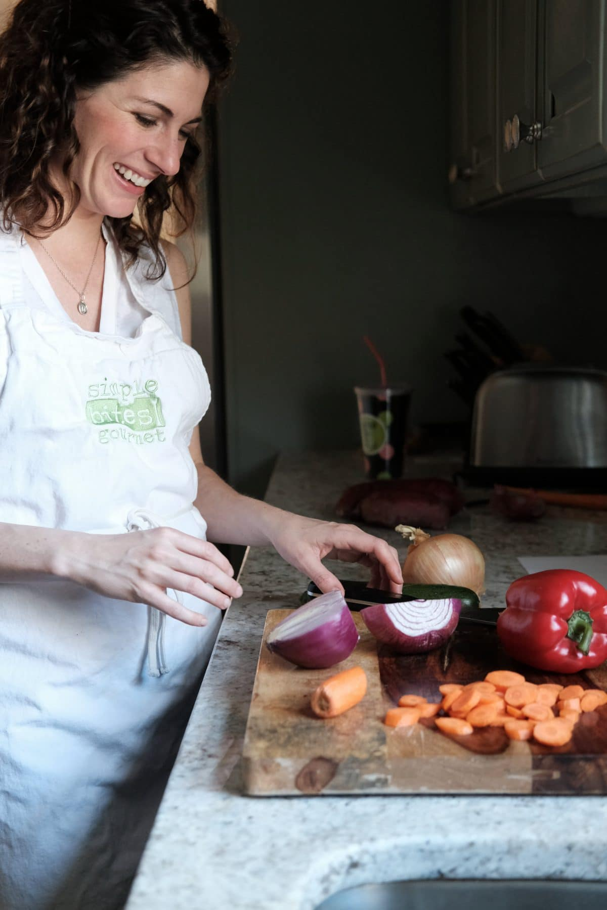 Erica Hopper is an elite marathoner, mom and chef. She tells the secrets of keeping a kitchen ready for healthy meals at any time.