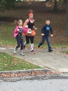 Carlene Steenekamp running with her kids